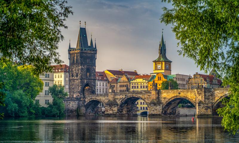 Personeel en Veenstra Reizen naar Praag